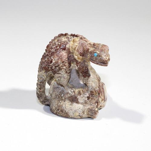 Chameleon Fetish by Scotty Gaarnat | Travertine