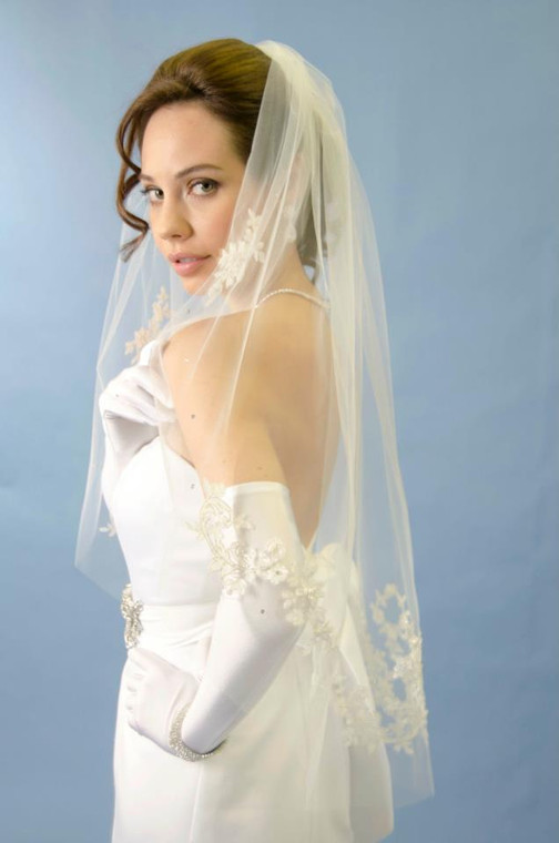 Ansonia 191 Fingertip Wedding Veil with Lace Motifs