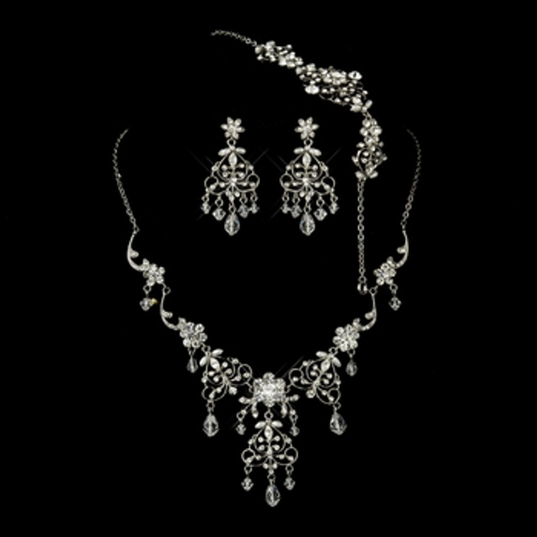 Rhinestone and Pearl Vintage Look Jewelry Set with Bracelet