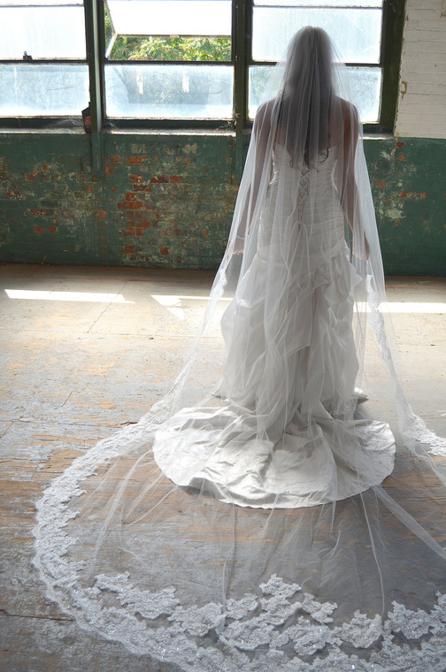 Lace Edge Elena Designs E1170L Royal Cathedral Wedding Veil