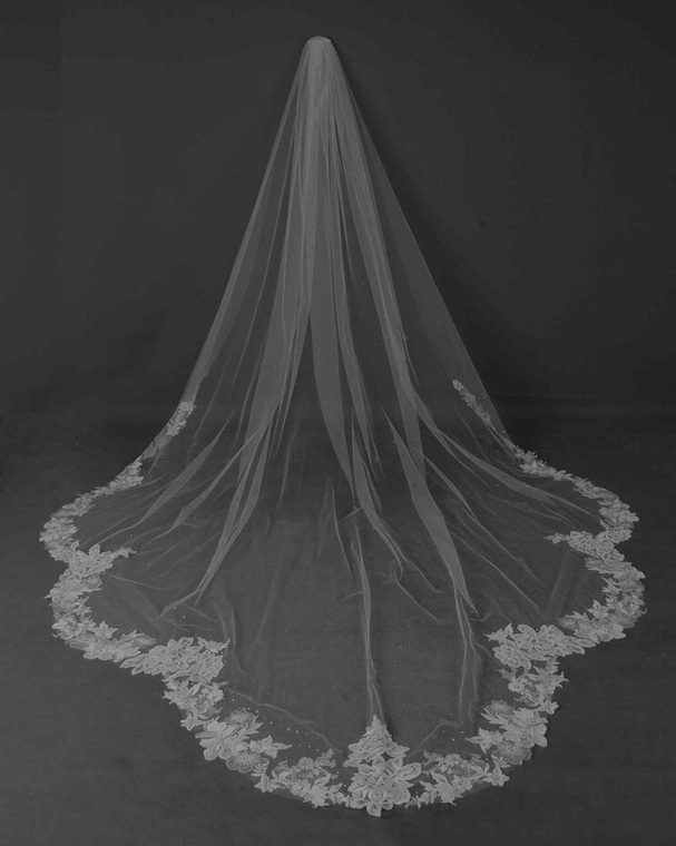 Dramatic Scallop Lace Royal Cathedral Length Wedding Veil CF237