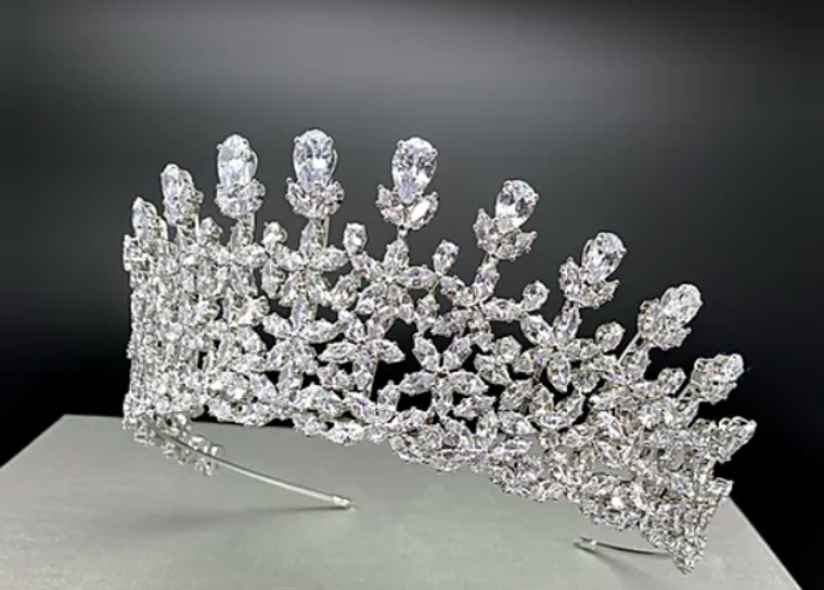 """Stunning 2  1/2"""" Tall CZ Wedding and Quinceanera Tiara in Silver"""