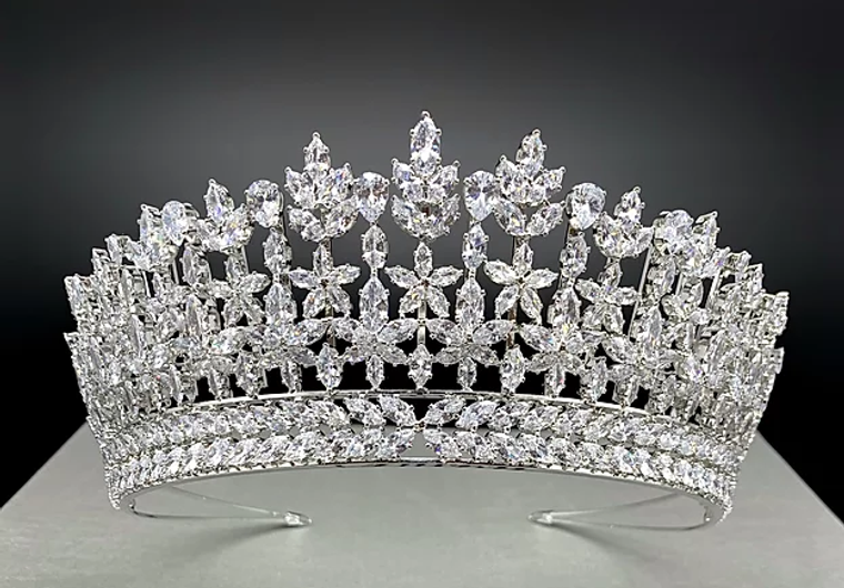 """2  1/2"""" Tall CZ Wedding and Quinceanera Tiara in Silver"""