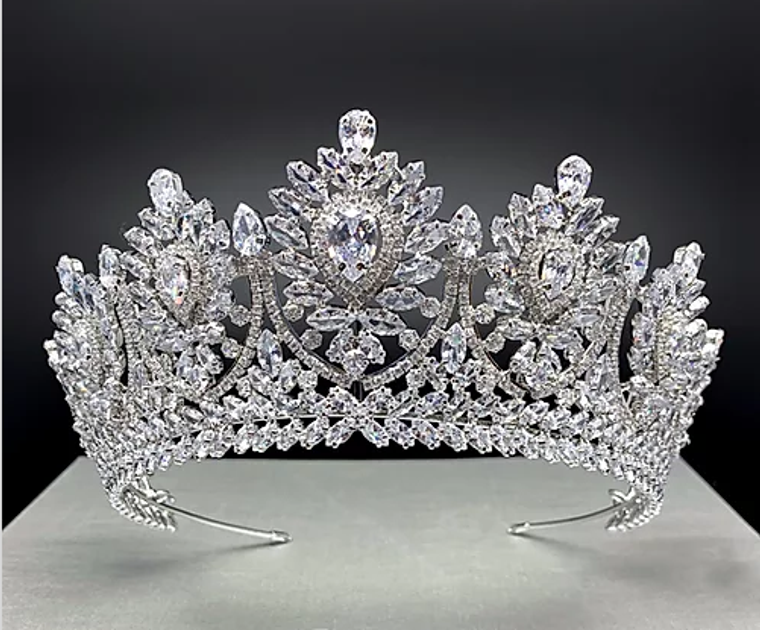 """Regal  2  1/2"""" Tall CZ Wedding and Quinceanera Tiara in Silver"""