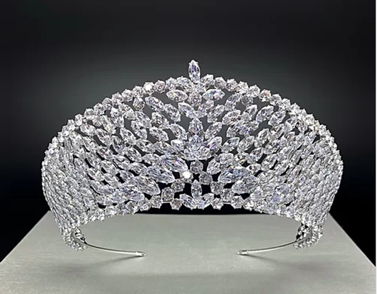 "2  7/8"" Tall Marquise CZ Wedding and Quinceanera Tiara in Silver"
