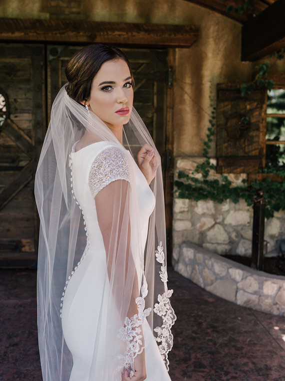 Beaded Lace Waltz Length Wedding Veil enVogue V2094WZ