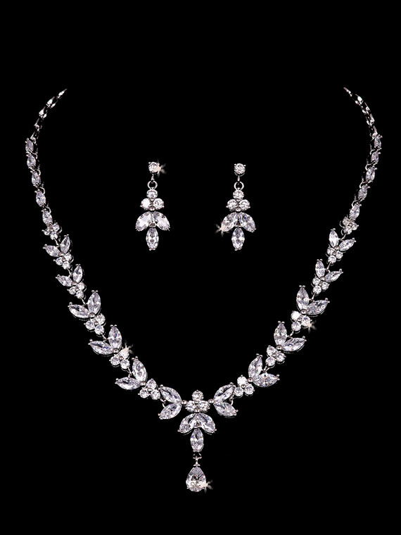 Rhinestone Bridal Necklace and Earring Jewelry Set Envogue NL2152