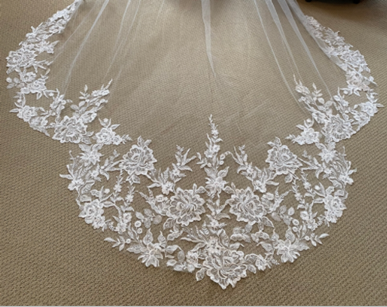 Gorgeous Royal Cathedral Wedding Veil with Beaded Lace Appliques