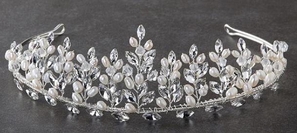 pearl-tiara-cat8.png