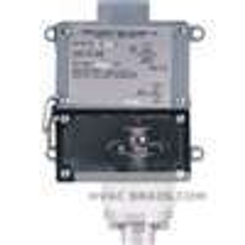 Dwyer Instruments 1005W-A1-D, Weatherproof pressure switch, adj range 25-200 psig (17-138 bar), approx deadband (fixed) 8 psig (55 bar)