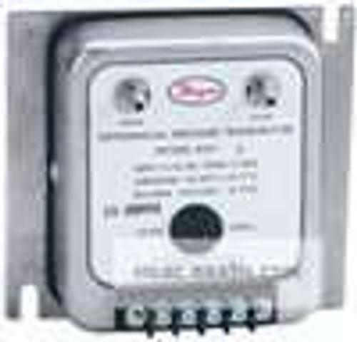"Dwyer Instruments 607-3B, Differential pressure transmitter, range 10-0-10"" wc"