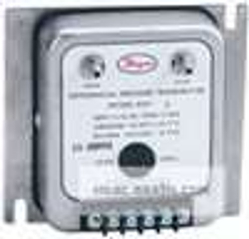 "Dwyer Instruments 607-4B, Differential pressure transmitter, range 20-0-20"" wc"