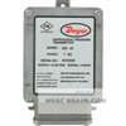 "Dwyer Instruments 608-02, Differential pressure transmitter, range 0-05"" wc"