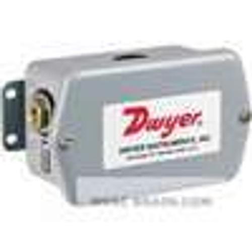 "Dwyer Instruments 647-1, Wet/wet differential pressure transmitter, range 0-3"" wc"