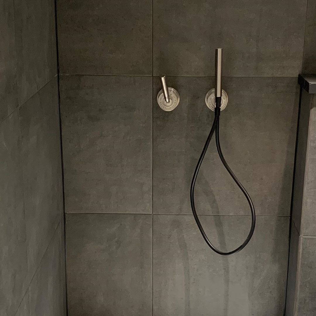 JEE-O soho wall mounted hand shower in hammercoat black stainless steel