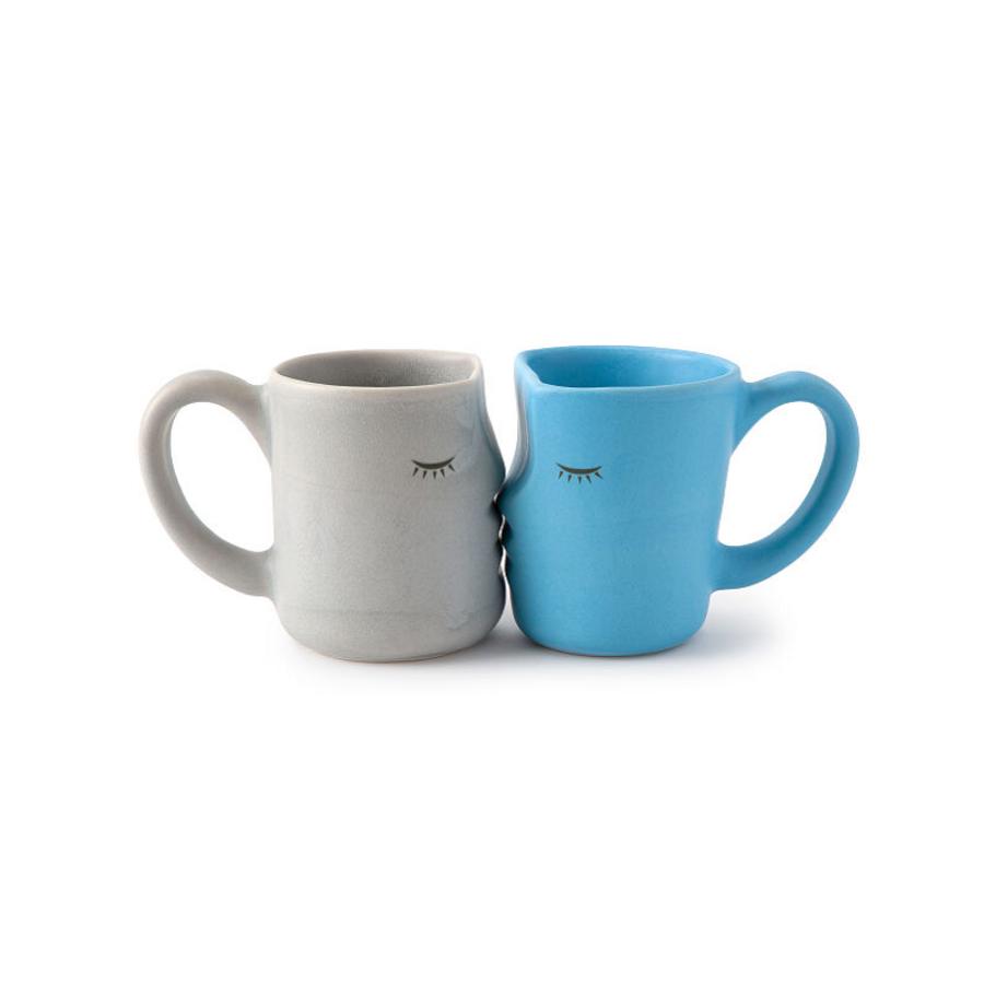 The Kissing Mugs
