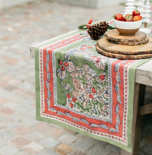 Acorns and Foliage Green Table Runner
