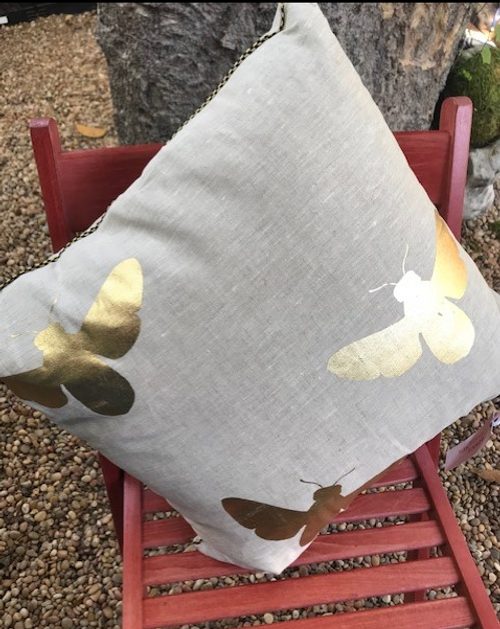 Linen Pillow Bees
