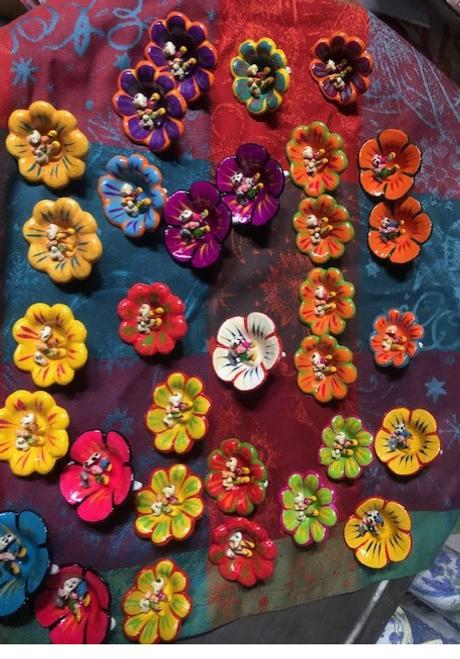 "Miniature Nativity Scene Flowers 2"""
