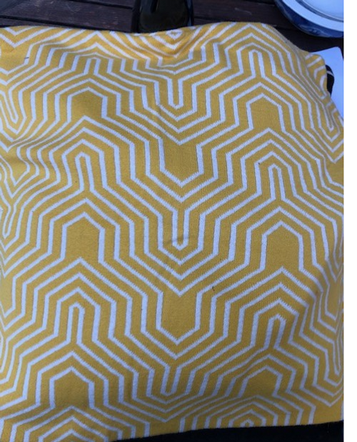 Geometric Pattern Cotton Pillow Cover - Yellow