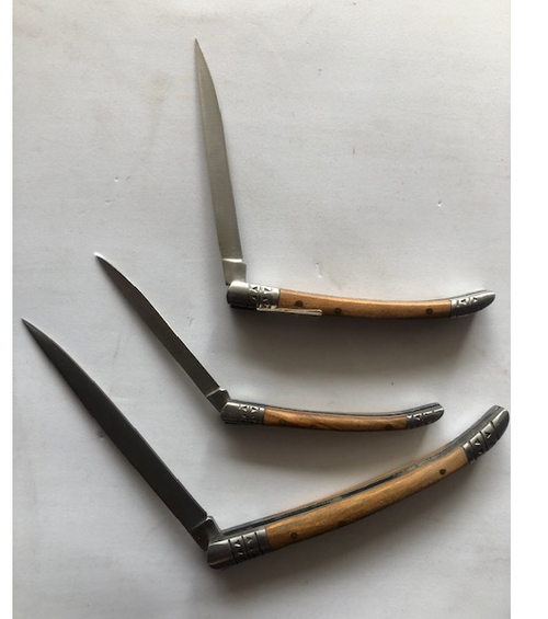 Folding knives in 3 different sizes