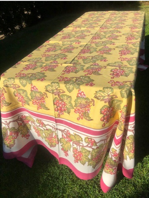 "Grapevine / Vineyard Tablecloth, 71"" x 128"""
