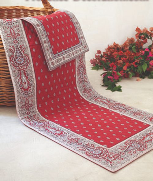 Quilted Runner Tradition, Red
