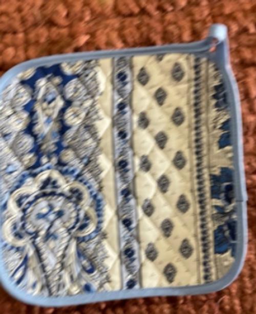 Provence Potholder - Bastide Blue and White