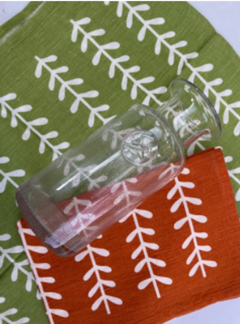 Clear Carafe with 2 Kitchen Towels