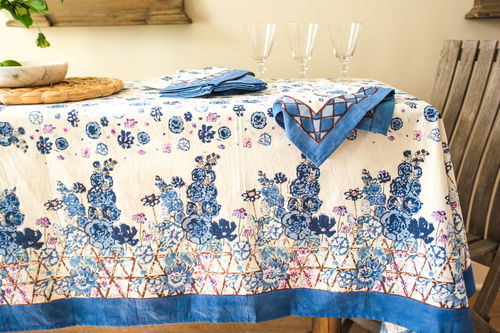 Tablecloth & Napkins