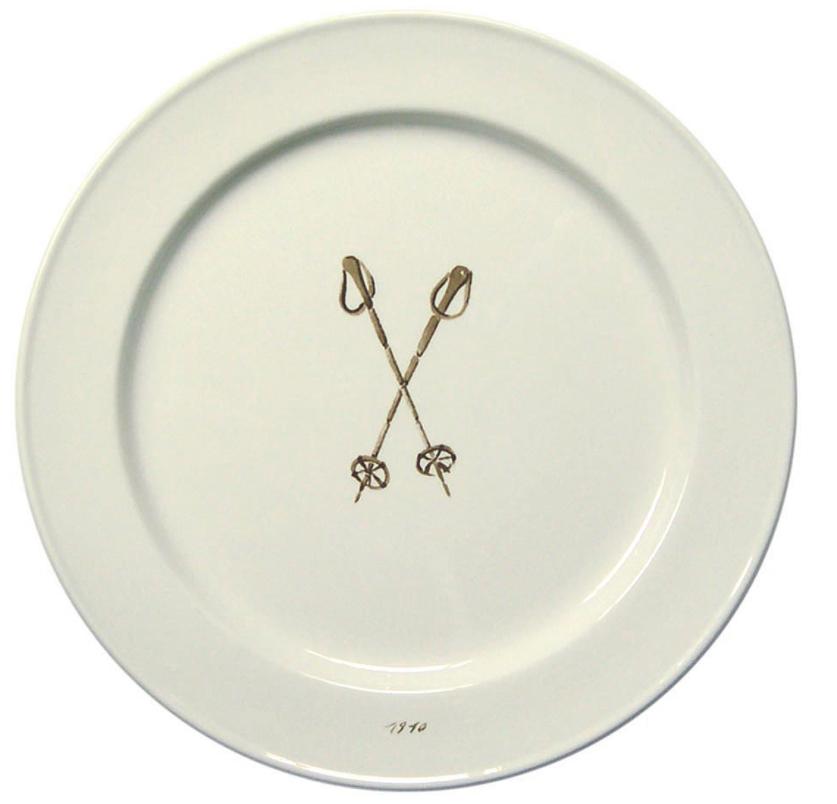 ski-poles-plate.png