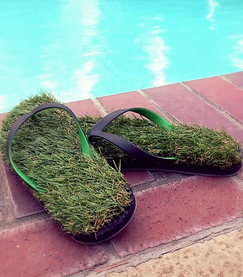 Black/green grass flip flops