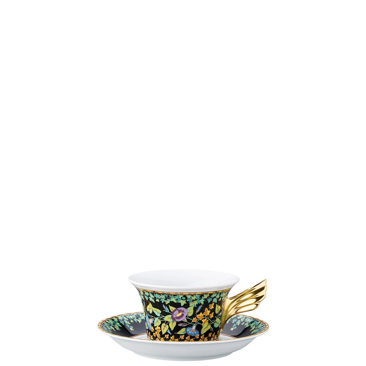 Tea pot and saucers melt