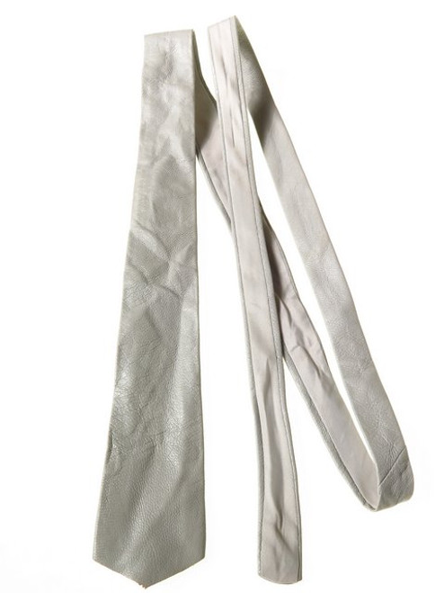 Light grey leather tie