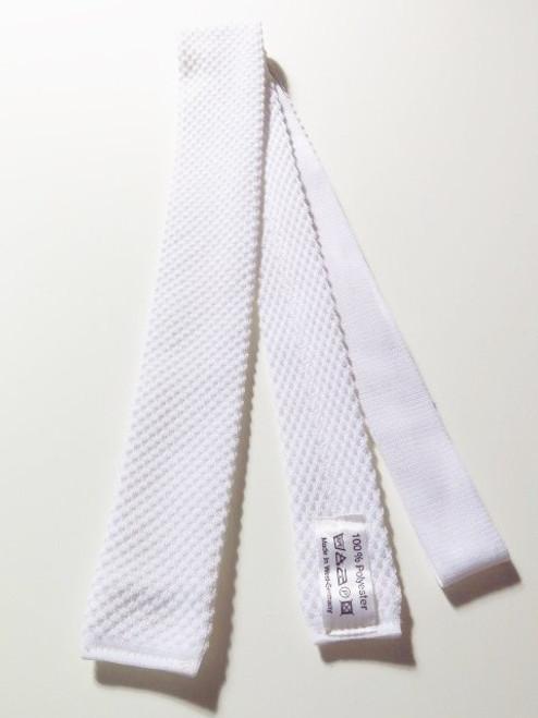 White knitted necktie