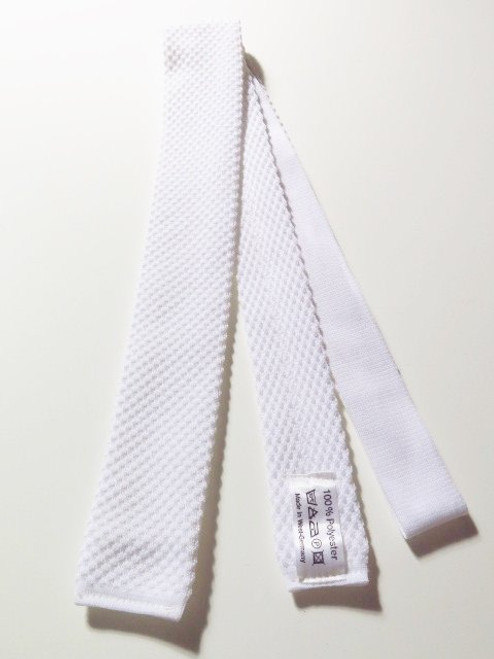 White knitted necktie