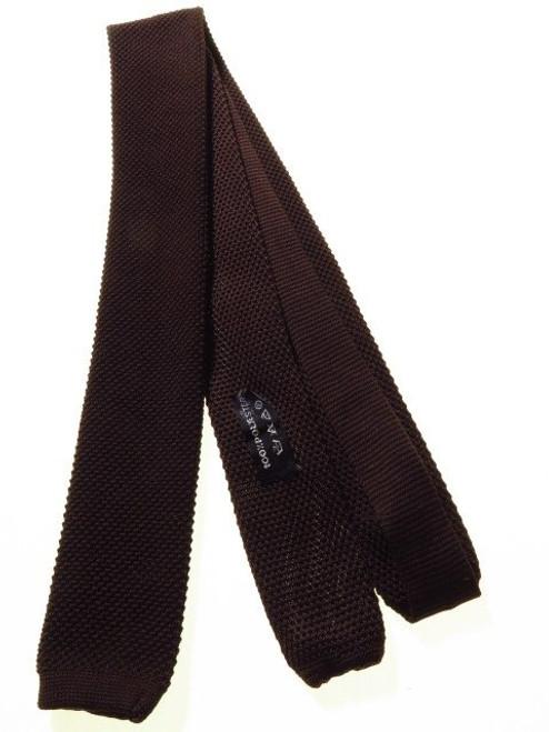 Narrow knit tie