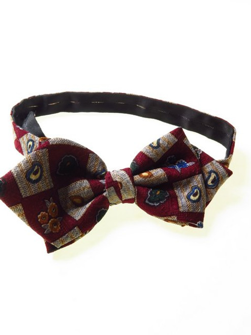 Pointed Bow Tie Teardrop Paisley Floral