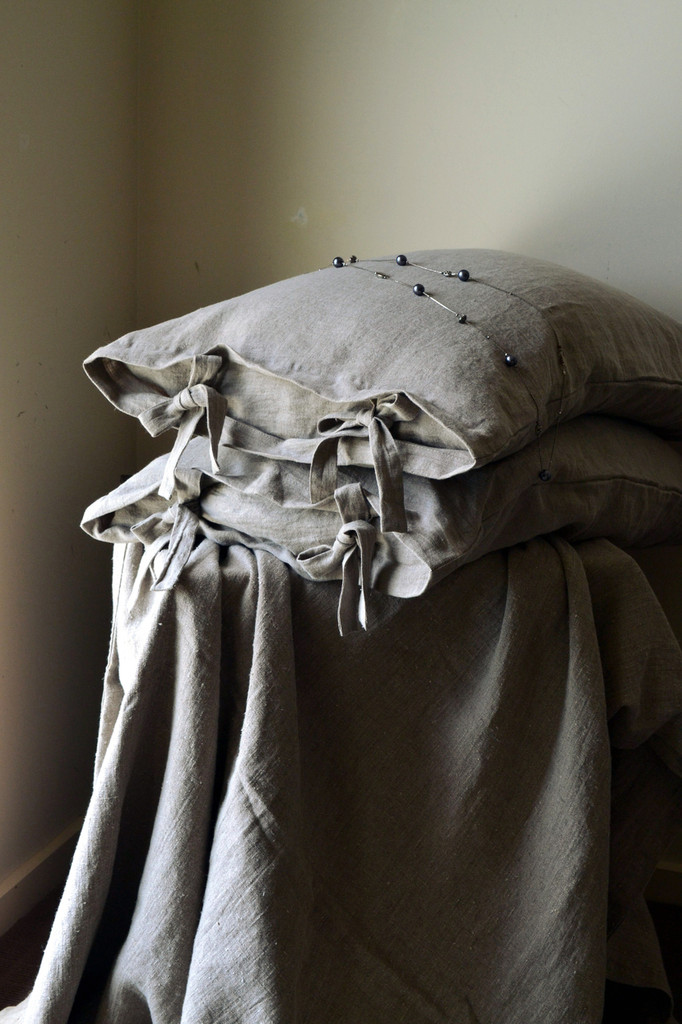 Natural stonewashed linen pillow case with ties