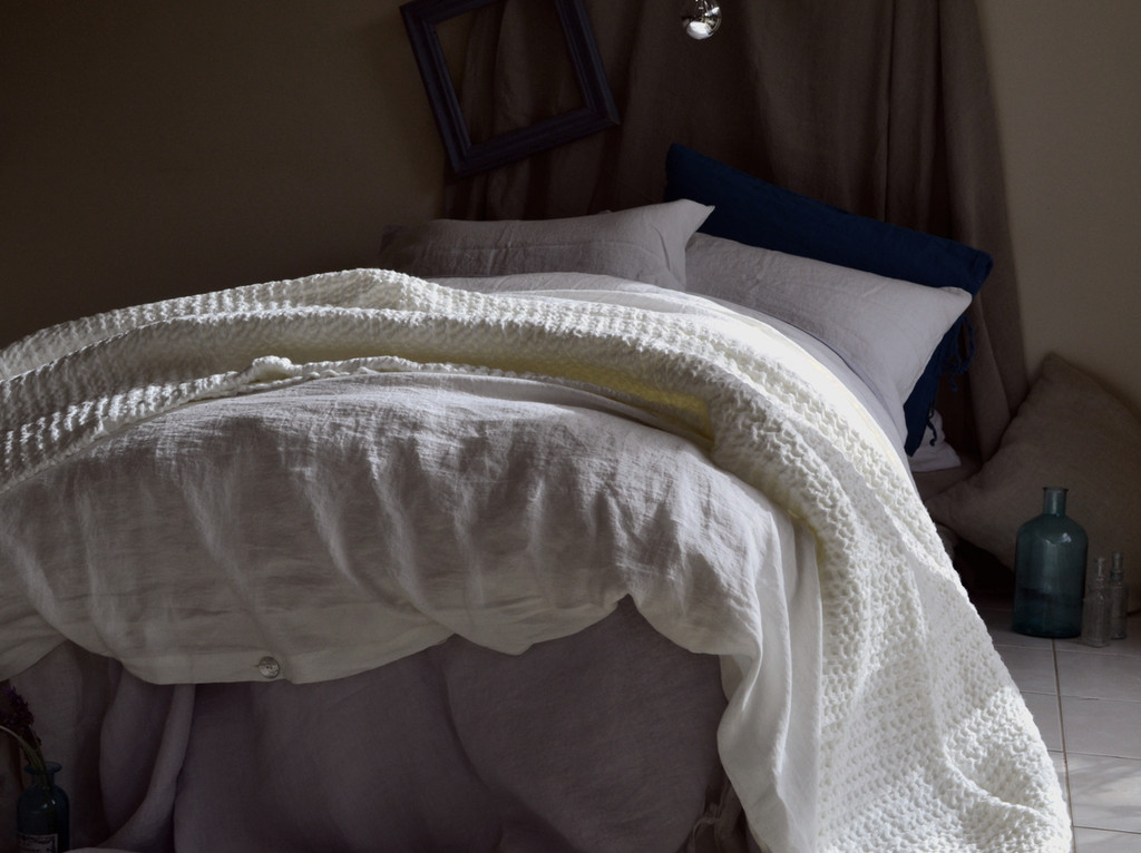 Pure Elegance, Antique white stonewashed linen duvet/quilt cover