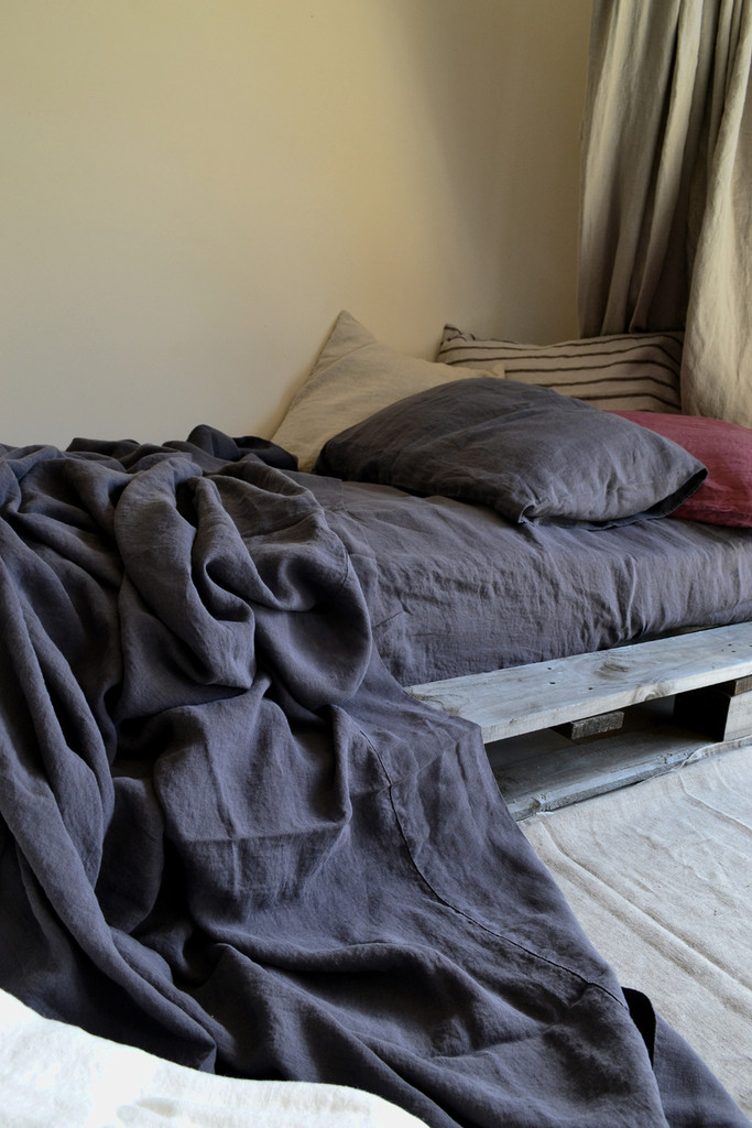 Charcoal stonewashed linen Top⎮Flat sheet