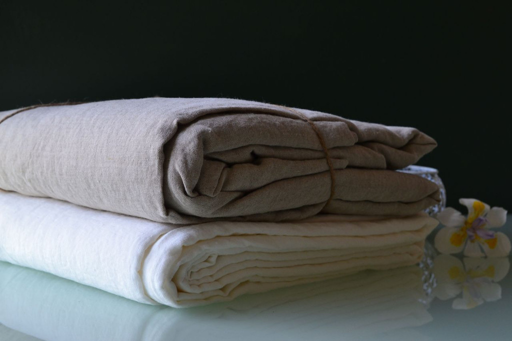 Natural (undyed) linen flat sheet