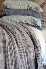 Waffle linen blanket, Fossil Grey. Extra Heavy natural linen
