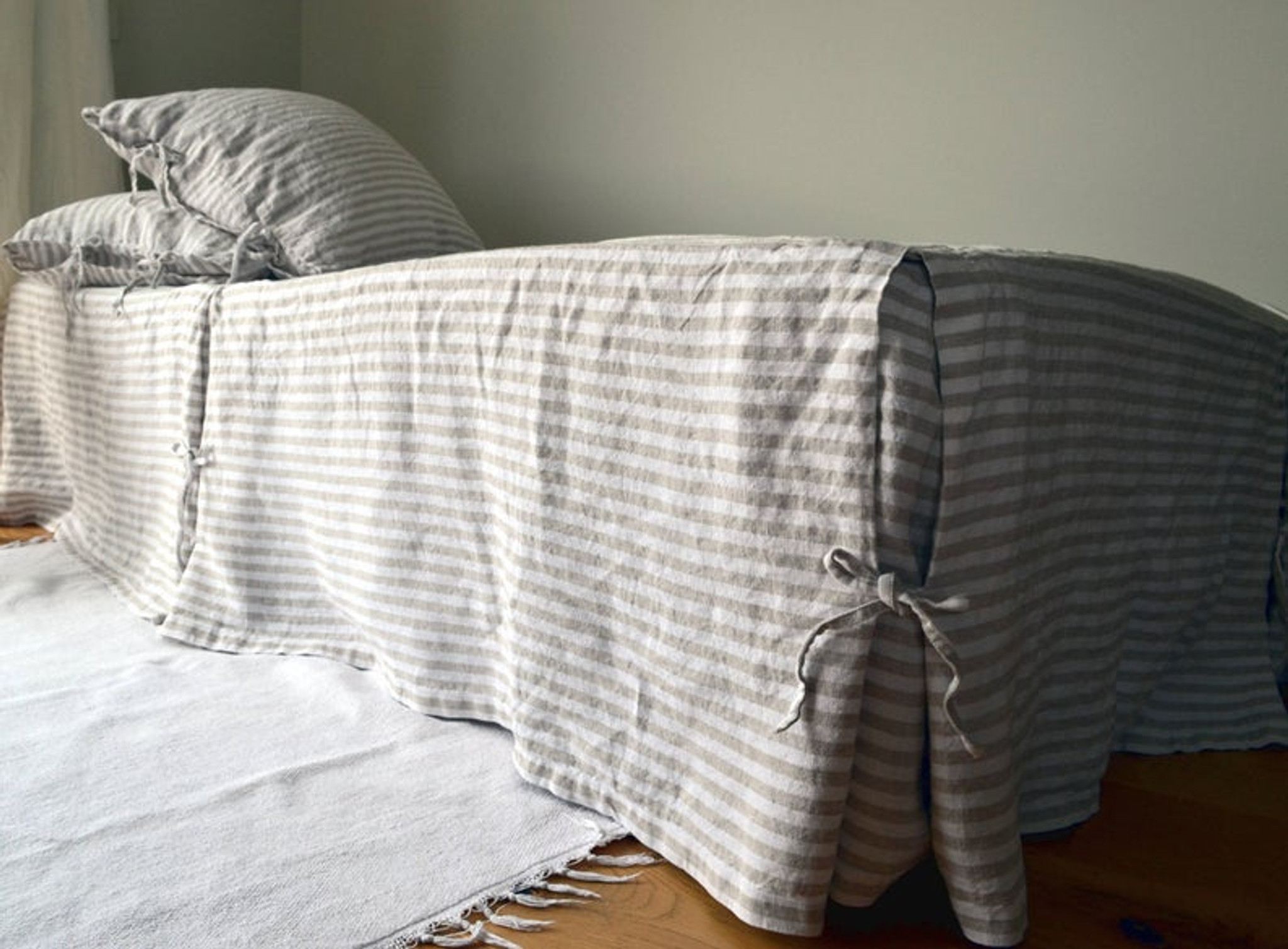 Rustic Pinstripe Heavy Weight Rustic Linen Bed Skirt Dust Ruffle Valance