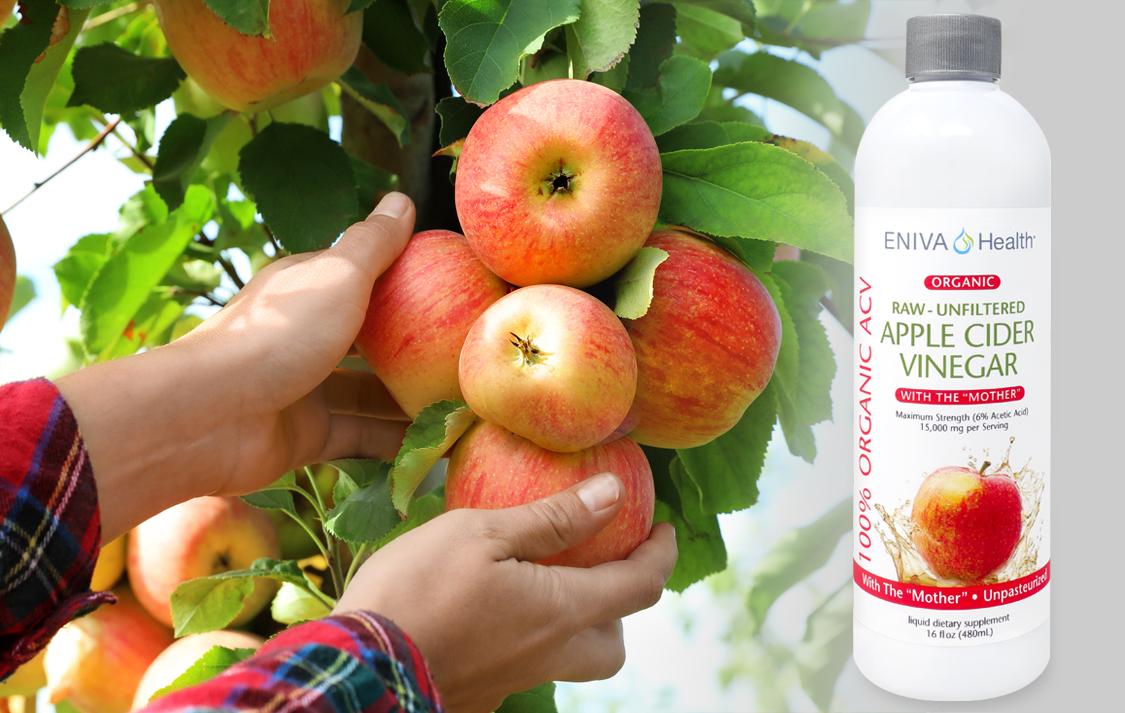 detail-apple-cider-vinegar-hands.jpg