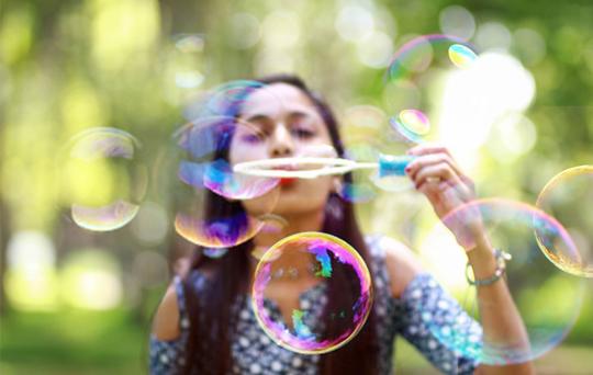 detail-lung-blow-bubbles.jpg