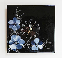 Blossoms Clock (black)