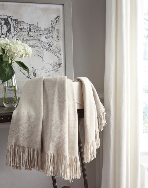 Ashley Haiden Ivory/Taupe Throw (3/CS)