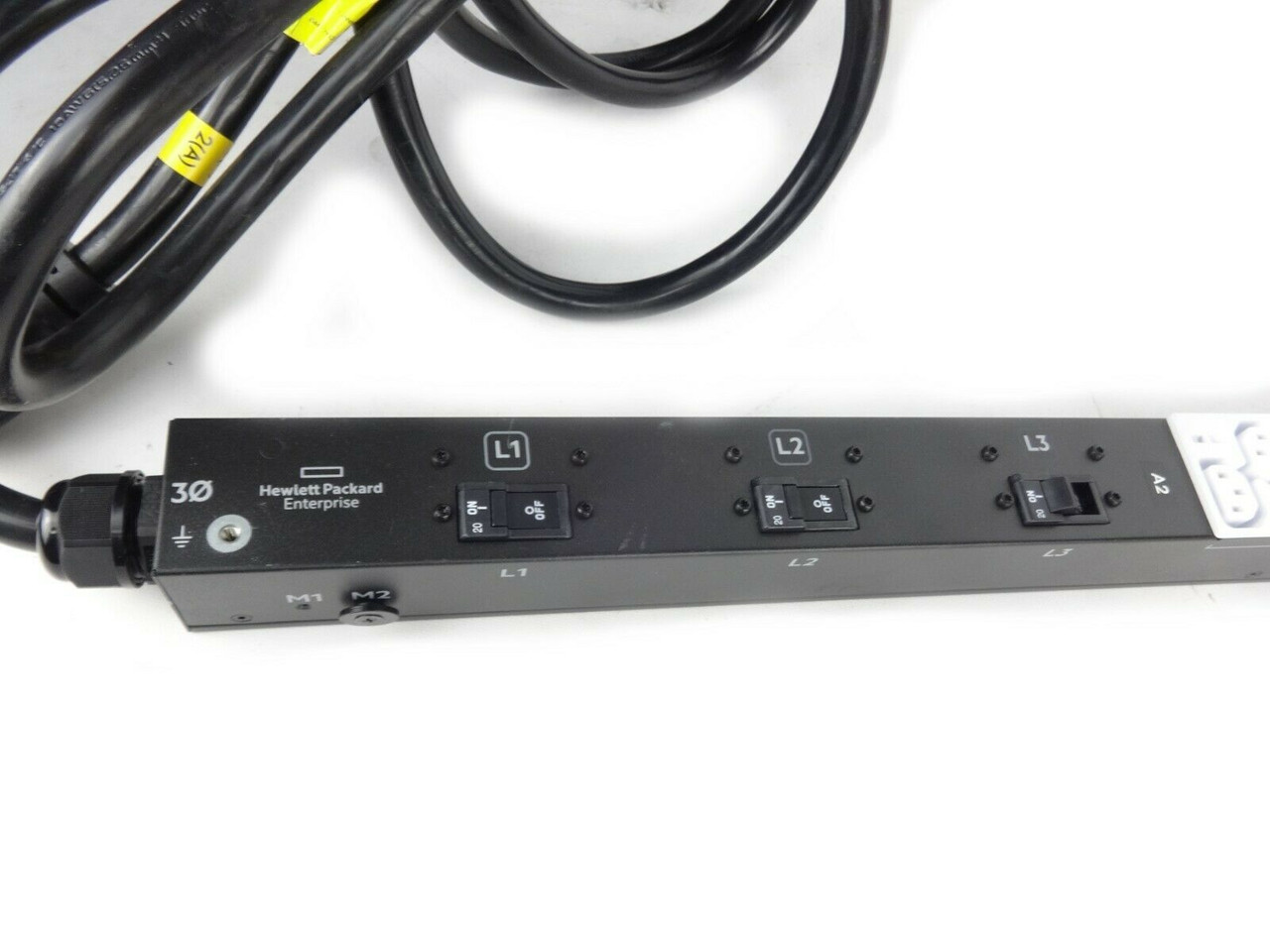 HP 868601-001 7.3KVA 18Outlet Power Distribution Unit with Cable
