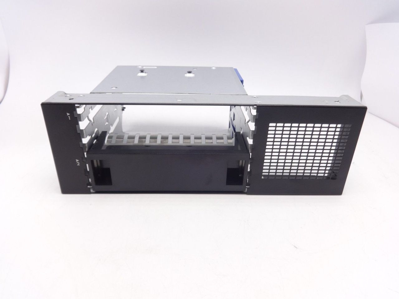 HP 768951-001 ML350 G9 SPS Media SFF Cage